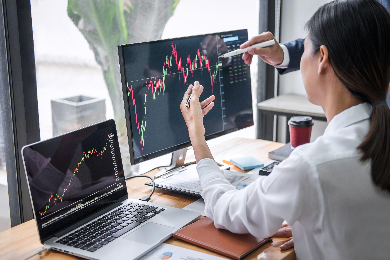 Rethinking the traditional 60:40 stocks to bonds portfolio using alternative investments